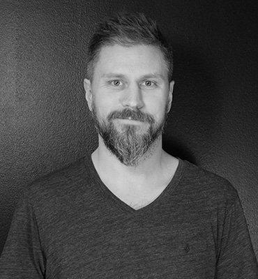Fredrik Karlsson, Graphic Designer, Right Thing united