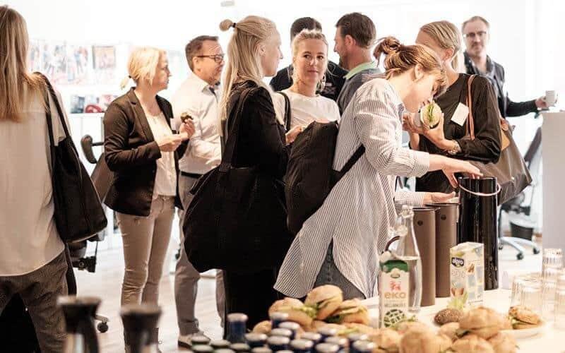 Kunskapsfrukost om mobilen på Right Thing united - en reklambyrå i göteborg - Kaffe