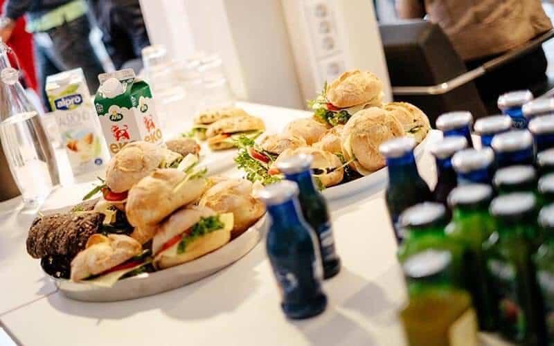 Kunskapsfrukost om mobilen på Right Thing united - en reklambyrå i göteborg - Frukost